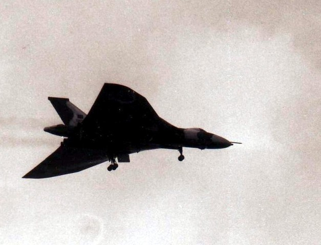 Vulcan_bomber_18_May_1982