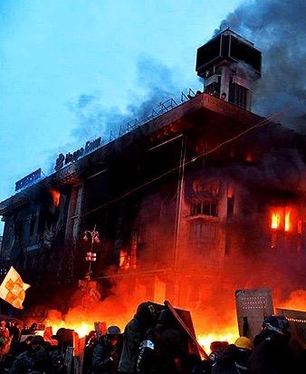kiev-independence-square-ukraine-burning-in-flames